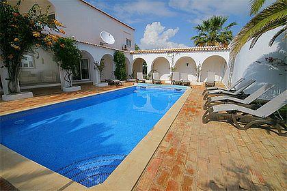P21660 - Villa in Carvoeiro, Central Algarve