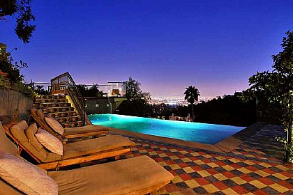 Hollywood Hills View Home - House in Venice Beach, Los Angeles