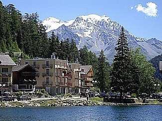Le Residence Combins from the lake