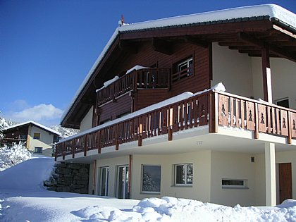 Chalet des Alpes - Crans Montana, Valais/Swiss Alps Bed & Breakfast