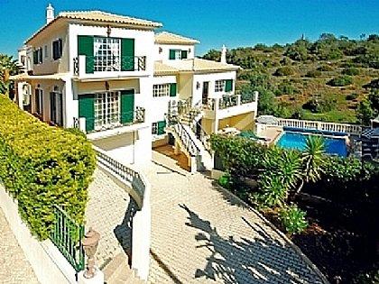 Villa in Montechoro, Albufeira, Central Algarve