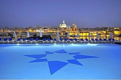 Communial  Pool with Distant view of Valletta