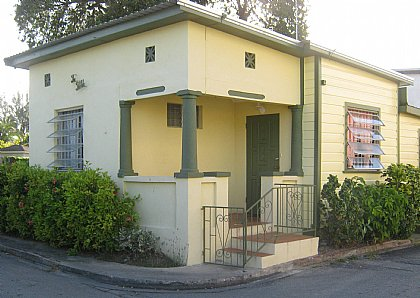 The Pebble Guesthouse Barbados - Cottage in St Lawrence Gap
