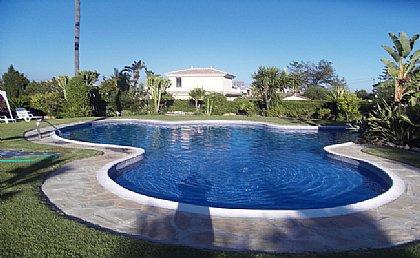 Salwa Markos - Villa in El Paraiso, Estepona, Estepona