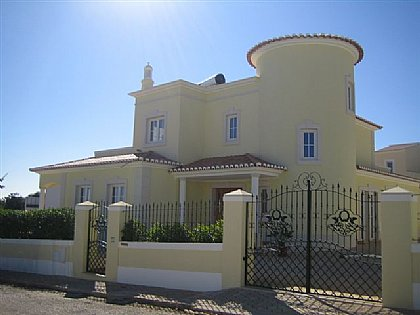 Carvoeiro, Central Algarve Villa