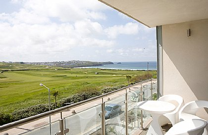 Surfside 34 Zinc - Apartment in Fistral Beach, Newquay, Cornwall, Cornwall