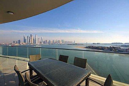 Holiday Rentals In The Palm Jumeirah 3 Bedroom Apartment Dubai Dubaiapartmentsaccommodation