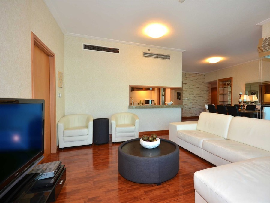 amazing 3 bedroom dubai apartment with fantastic views of dubai marina