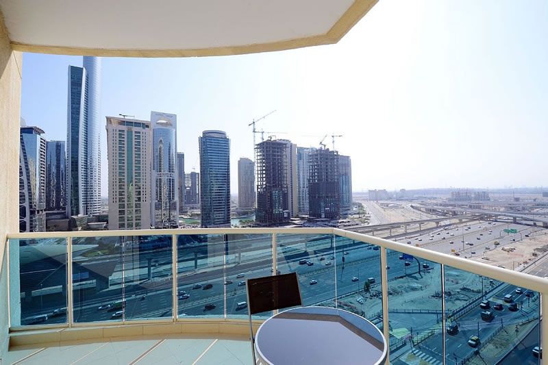 Dubai Marina Holiday Rentals Studio Apartment In With Swimming Pool Dubaiapartmentsaccommodation