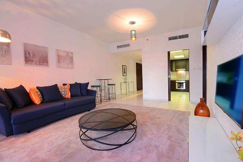 Dubai Marina Holiday Rentals 1 Bedroom Apartment In With Swimming Pool Dubaiapartmentsaccommodation