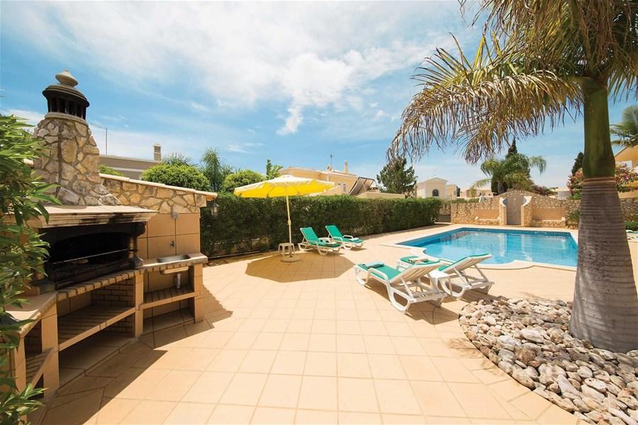 5 bedroom villa in vilamoura alpha lettings